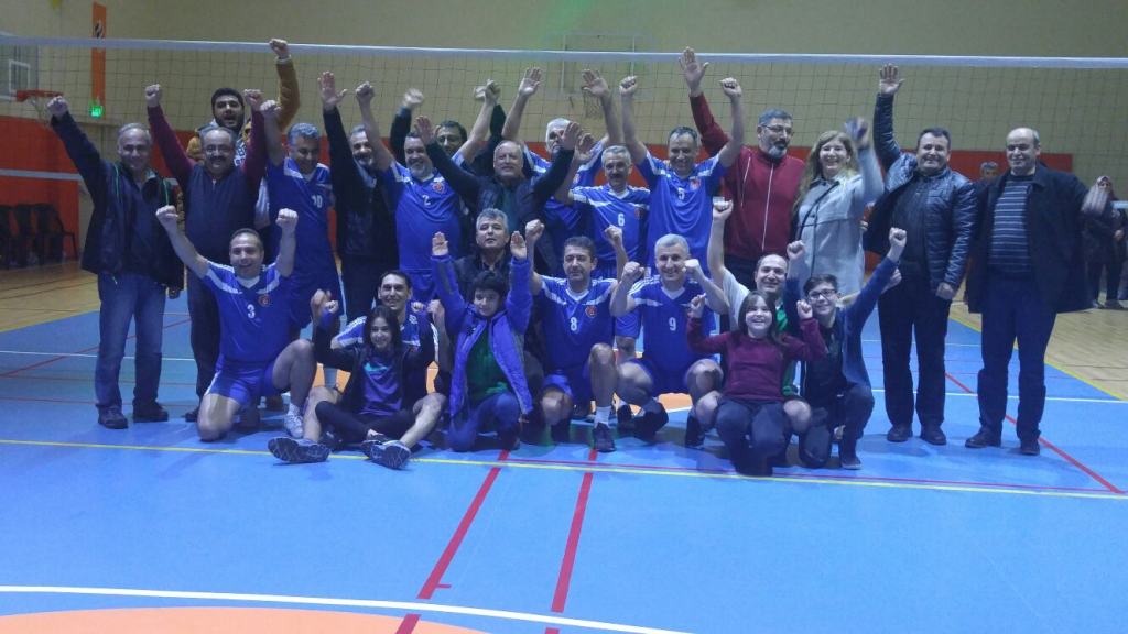 TEMAD KAYSERİ Voleybol takımımız yarı final maçını 3-1 kazanarak finale çıktı.